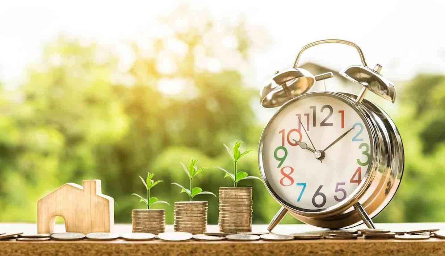 Crédit, prêt et investissement. De l'argent, de l'immobilier et un réveil !
