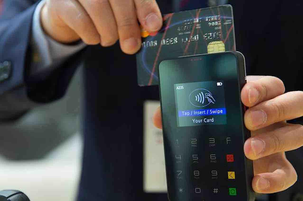 C'est quoi l'argent ? Carte bleue et monnaie électronique.