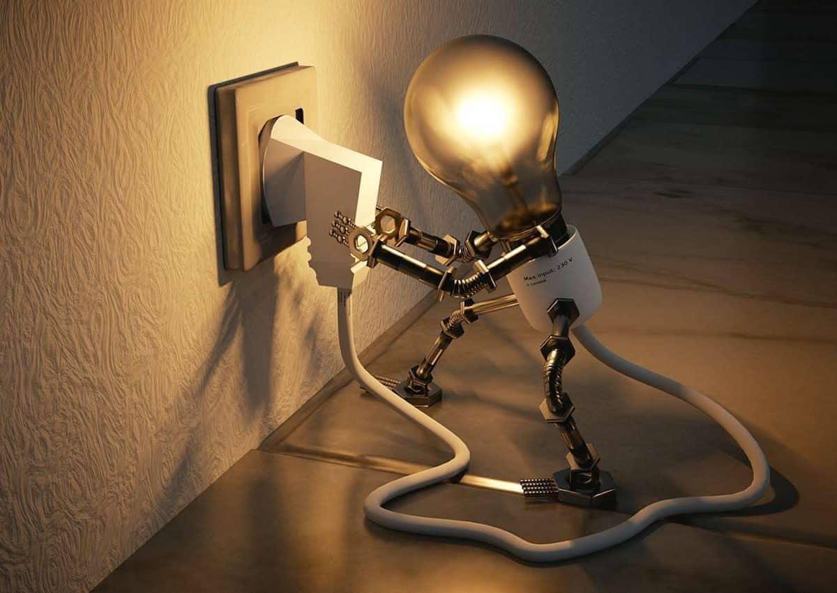 Comment économiser électricité ? Une ampoule qui de débranche elle-même.