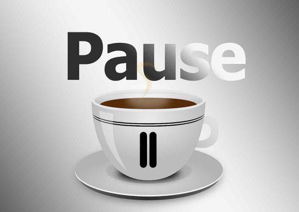 Pause et une tasse de café.